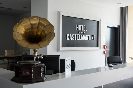 Hotel Castelmartini - photo 0
